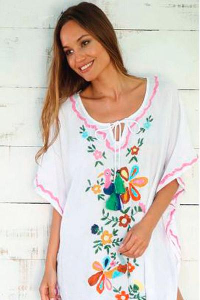 Vestido túnica para la playa en blanco con bordados