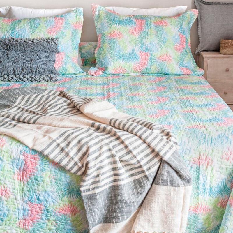 Mantas para sobre cama en Salo Comercial