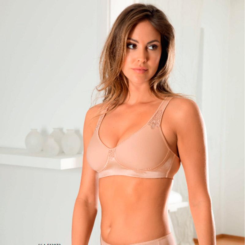 Conjunto de lencería femenina en color nude en Irun