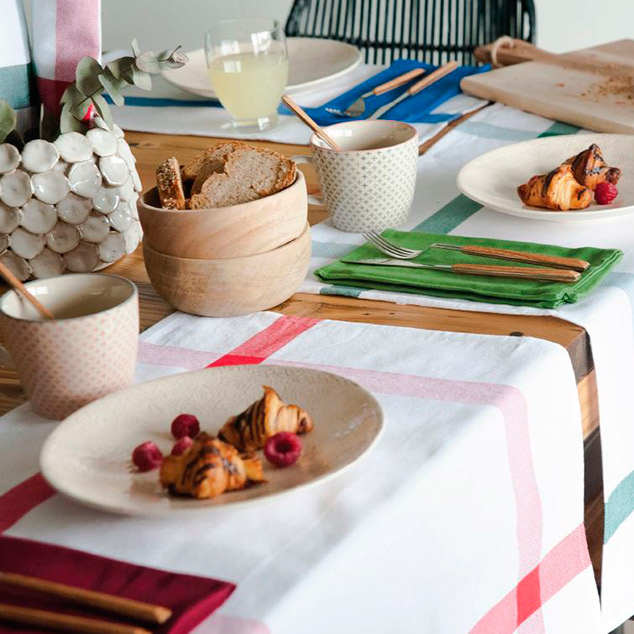 Venta de manteles tradicionales de estilo vasco en Irun
