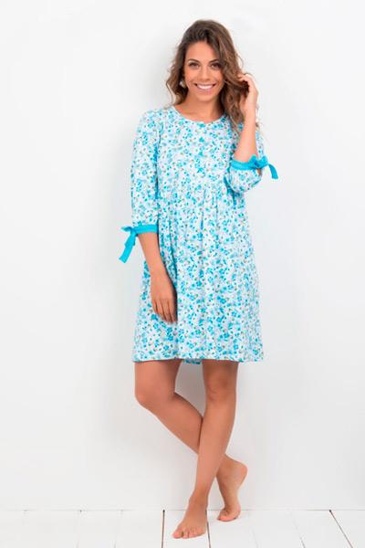 Camisón de manga larga de flores azules