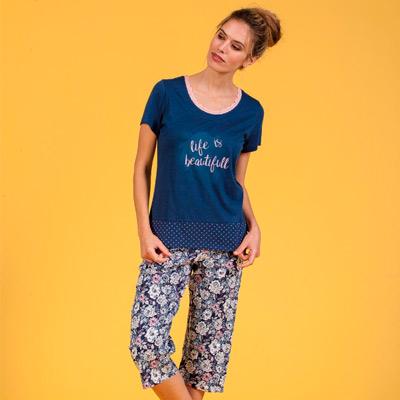 Pijama de mujer con pantalón pirata de flores